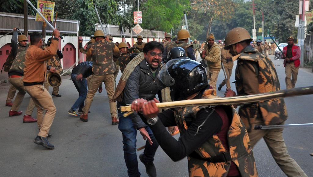 Inde: la contestation ne faiblit pas malgré les morts qui augmentent https://rfi.my/555a.t