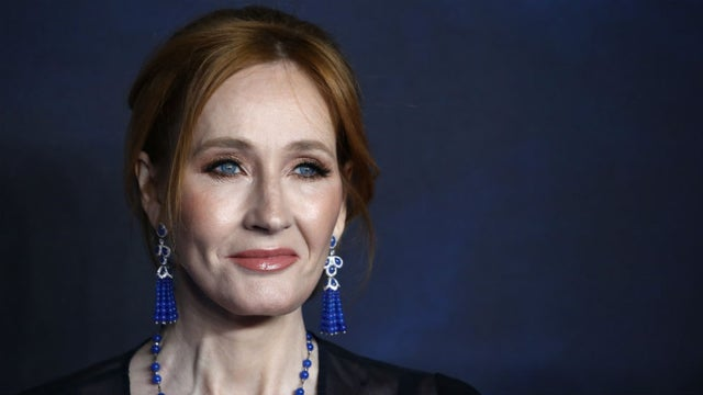 """JK Rowling sparks controversy for tweet on gender: """"Sex is real"""" https://t.co/QrQ8AbjlD6 https://t.co/8Idy3kiNwj"""