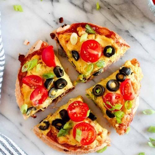 Double Decker Mexican Tortilla Pizza  Get the recipe: https://buff.ly/2rlgKtt   Recipe credit: Catching Seeds  #veganfoodlovers #veganmeals #veganaf #veganfoodspot #veganfoodlove #healthyveganfood #letscookvegan #vegangermany pic.twitter.com/VqCbPrBYT4