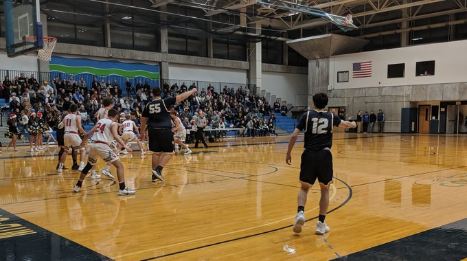 W-FL Friday: Wayne boys take over 1st in FL East with win over Newark; Paul Goodness sinks game winner at buzzer to lift Pal Mac over Midlakes in OT
