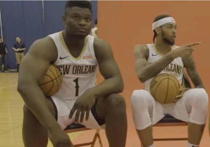 Zion的天賦有多強?看看他的生活照:大腳太搶鏡,而Ingram太躺槍!-Haters-黑特籃球NBA新聞影音圖片分享社區