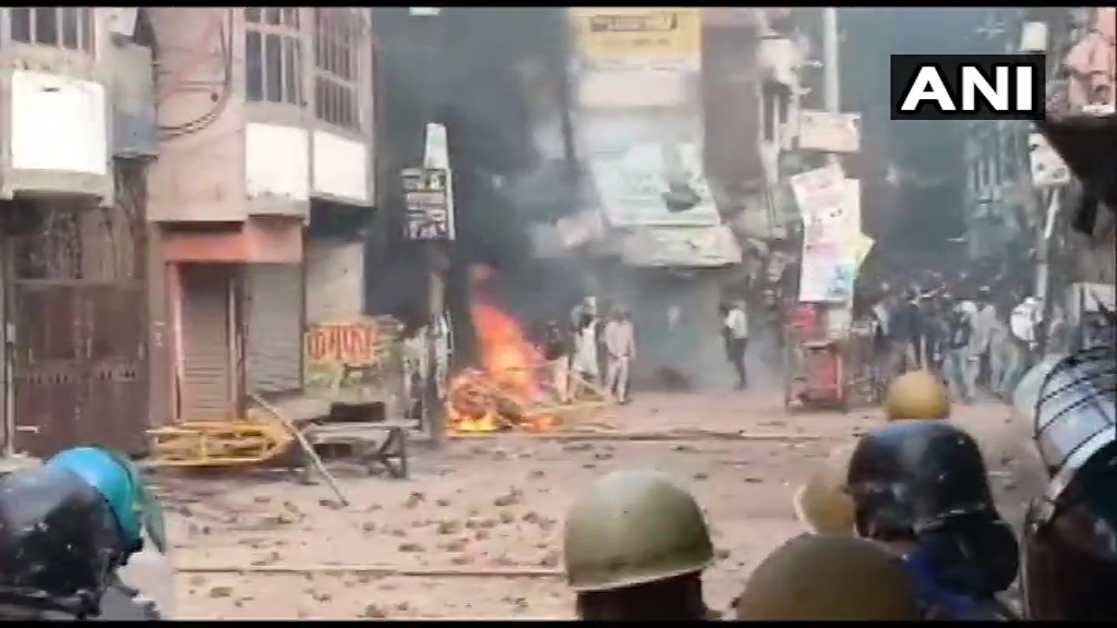 CAA protest: Due to violence 6 people dead In Uttar Pradesh, schools and colleges closed kps