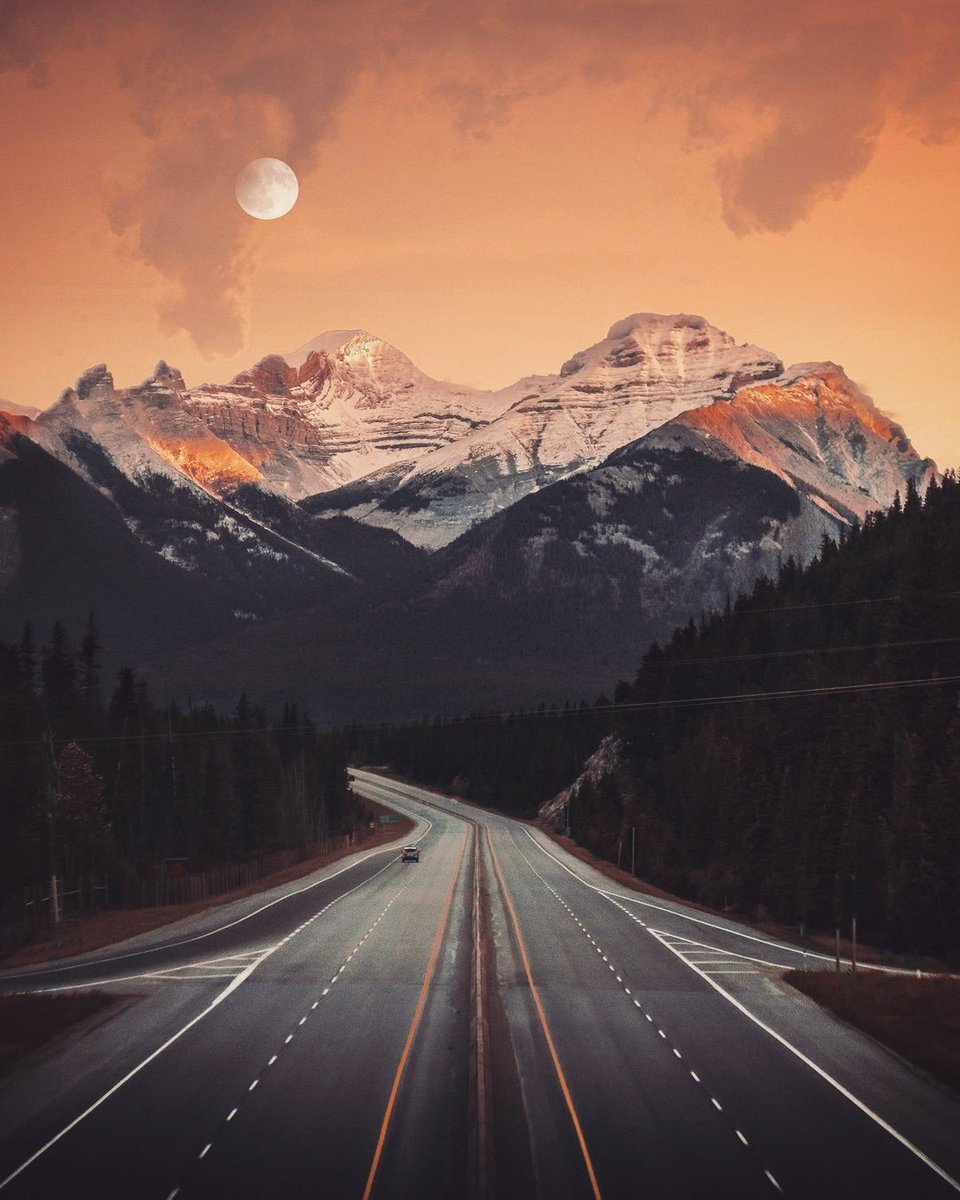 A Road Trip To The Moon. Photo from Banff, Canada --- #awesome_earthpix #earthfocus #colors_of_day #visualambassadors #nature_wizards #ig_countryside #fiftyshades_of_nature #stunning_shots #igersmood #adventurethatislife #nature_brilliance #keepitwild #nature_sultans #master_shotpic.twitter.com/btJ2cuEX1l