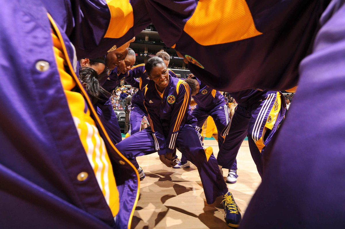 In 2011, the league celebrated its 15th year anniversary.   @DelishaMJones sure knows how to get down🤣  #GoSparks #LeadTheCharge #WNBAVault https://t.co/SRlgXEqpRc