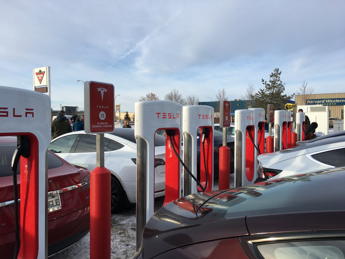 'The fastest chargers': Tesla supercharger station opens in Regina https://t.co/fCkLulI2YM #yqr #sk https://t.co/DwVpuG3NMA