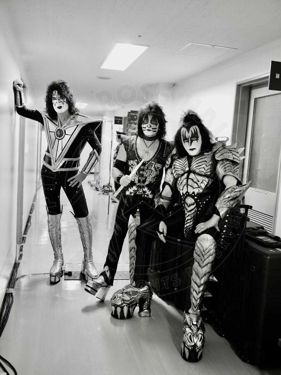 Backstage in #Japan. #EndOfTheRoad World Tour Photo by Ross Halfin.