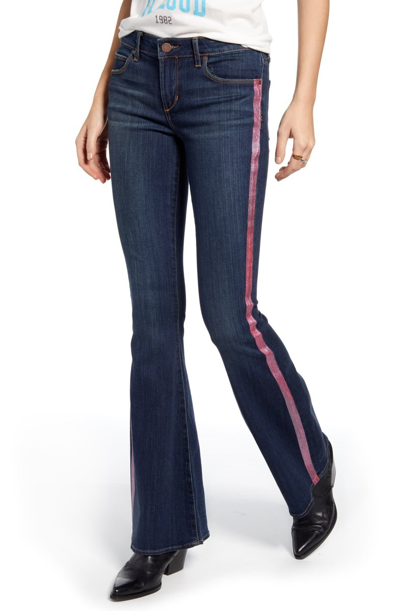 Top Jeans of The Week: Articles of Society Side Stripe Flare - https://denimology.com/2019/12/top-jeans-of-the-week-articles-of-society-side-stripe-flare… @ArticlesSociety #embellished #flarejeans with #sidestripes are super cool and #edgy #fashionable #perfect for the #holidayseason #comforable #womensjeans #womensfashion #toptrend #rightnowpic.twitter.com/6YjgQEZTYa