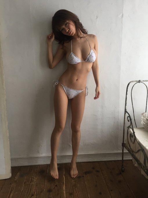 グラビアアイドル菜乃花のTwitter自撮りエロ画像9