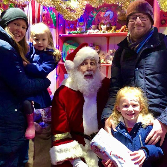 Guess who we met today.... Merry Christmas from @drusillaspark.  #mylife #mylifewithkids #dadnetwork #thedadnetwork #drusillaspark #familylifepic.twitter.com/MXQ1s9q5UP