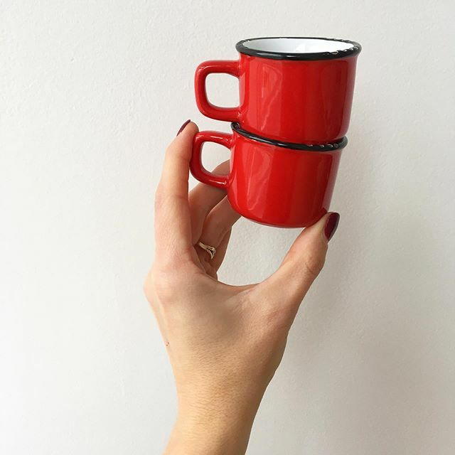 I love tiny things! But these cups aren't just cute, they're perfect little espresso cups! I love the red, but they come in a rainbow of colours so you can build your own unique set. . . . . . #espresso #coffeetime #minieverything #justashot #morningcoff… https://ift.tt/2EIzyFRpic.twitter.com/EE4oY55YRD