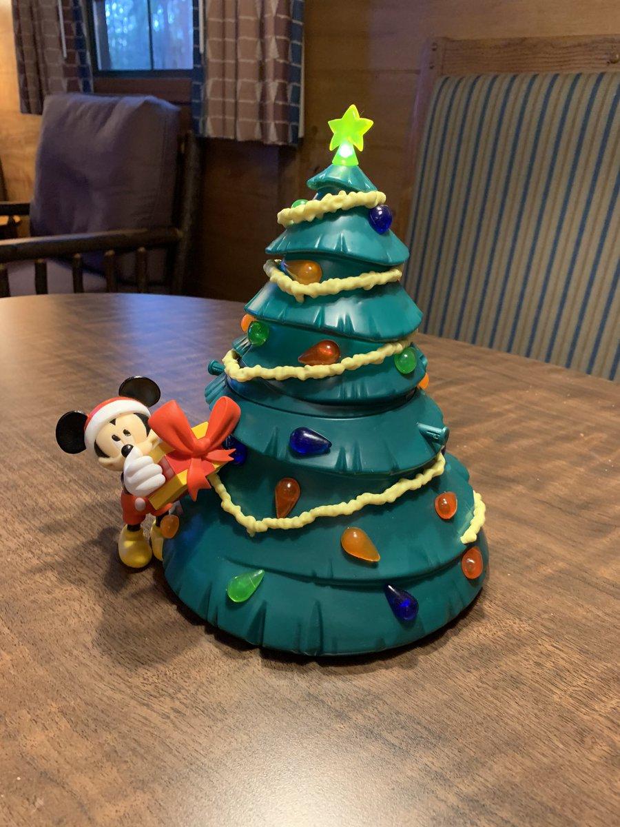 And we have a Christmas tree.  #FortWilderness #WaltDisneyWorld <br>http://pic.twitter.com/OfOg1YMRjg