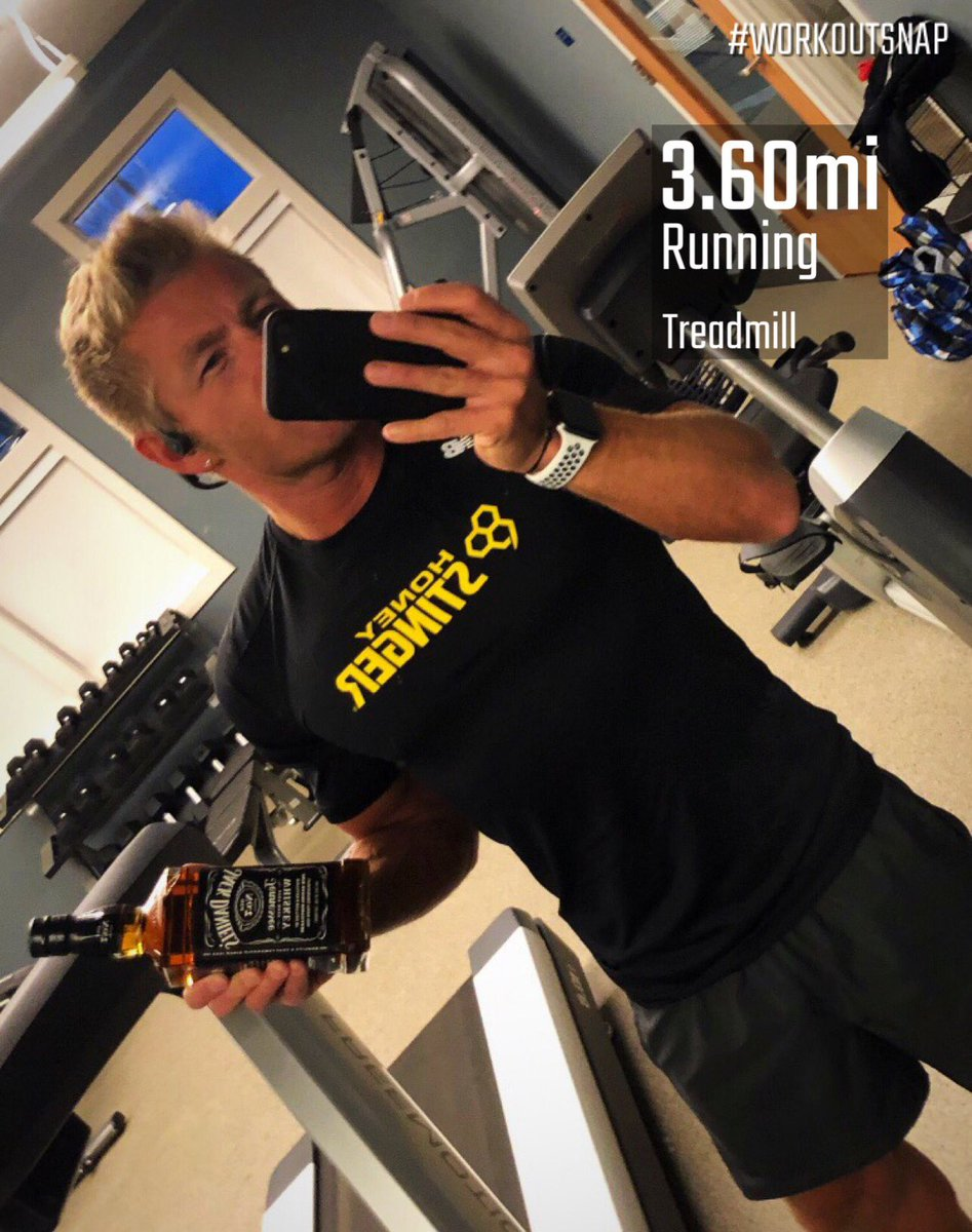My take on jack and honey!  I'll just have to get faster, and no the bottle won't help with that but it will help with my recovery  Happy last Sunday of the year  #sundayrunday #treadmillrunning #running #run #runner #workout #fitness #training #hshive #jack #jackdaniels<br>http://pic.twitter.com/DRhr29H8su
