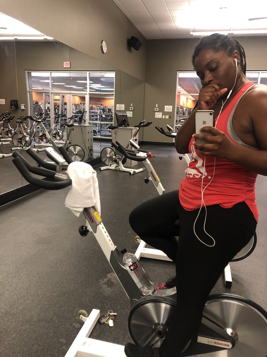 I haven't done cardio in a while.  #Backonthebike pic.twitter.com/W9scGcRuCl