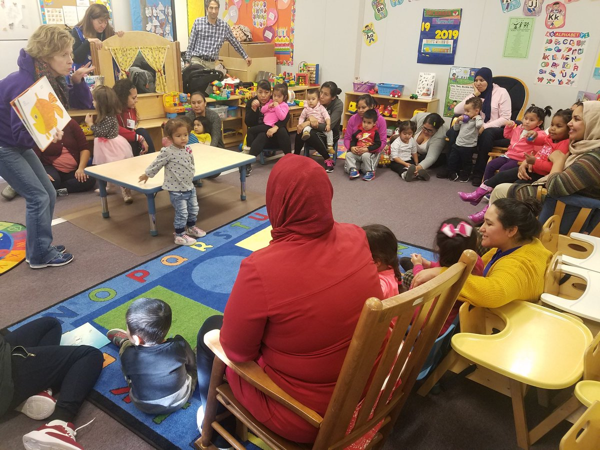 Thank you <a target='_blank' href='http://twitter.com/PajamaMamaJSP'>@PajamaMamaJSP</a> for another great book distribution and read aloud.  <a target='_blank' href='http://twitter.com/APS_EarlyChild'>@APS_EarlyChild</a> <a target='_blank' href='http://twitter.com/APSTitleI'>@APSTitleI</a> <a target='_blank' href='https://t.co/LT8r4bdPnG'>https://t.co/LT8r4bdPnG</a>