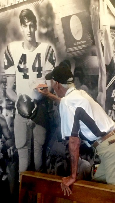 Happy birthday to this legend. Ray Guy.