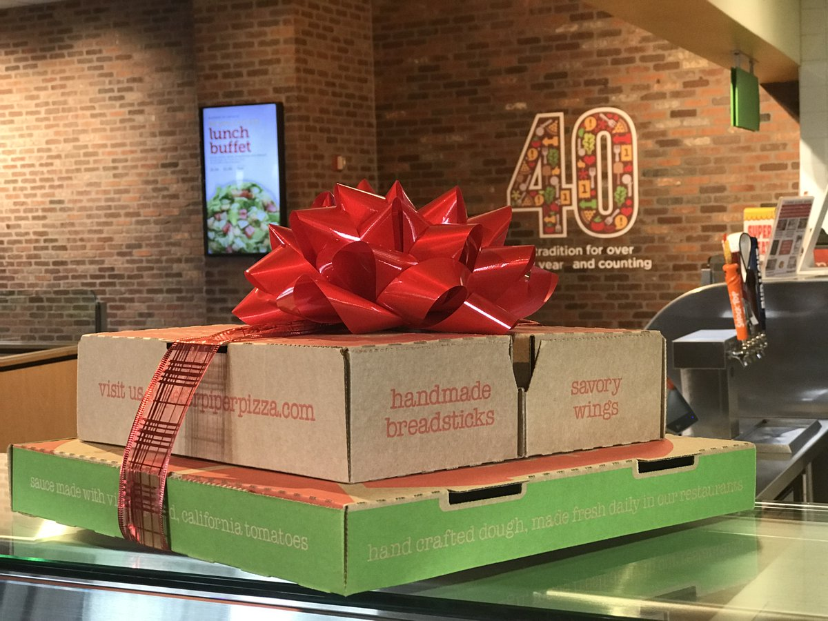 Give the best gift of the season: PIZZA! Find your nearest #PeterPiperPizza location at https://t.co/faIxrRc9zx https://t.co/4ayvEh1VuL