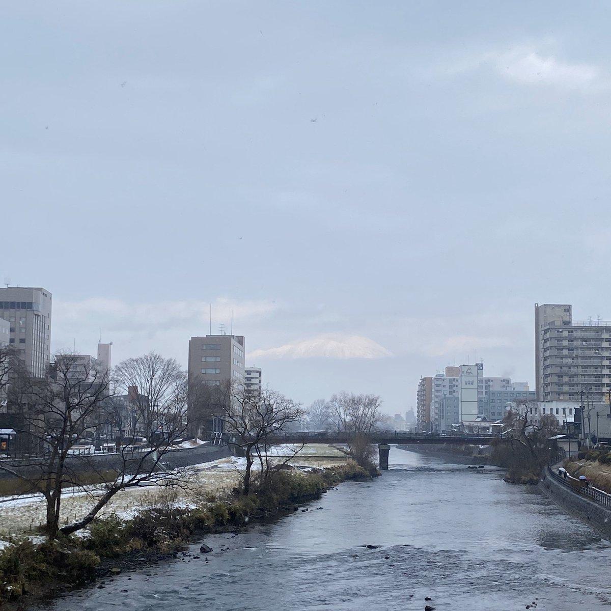 2019/12/23 盛岡市の開運橋から撮影。みなさま、体調管理に気をつけてお過ごしください。 #岩手 #盛岡 #北上川 #岩手においでよ