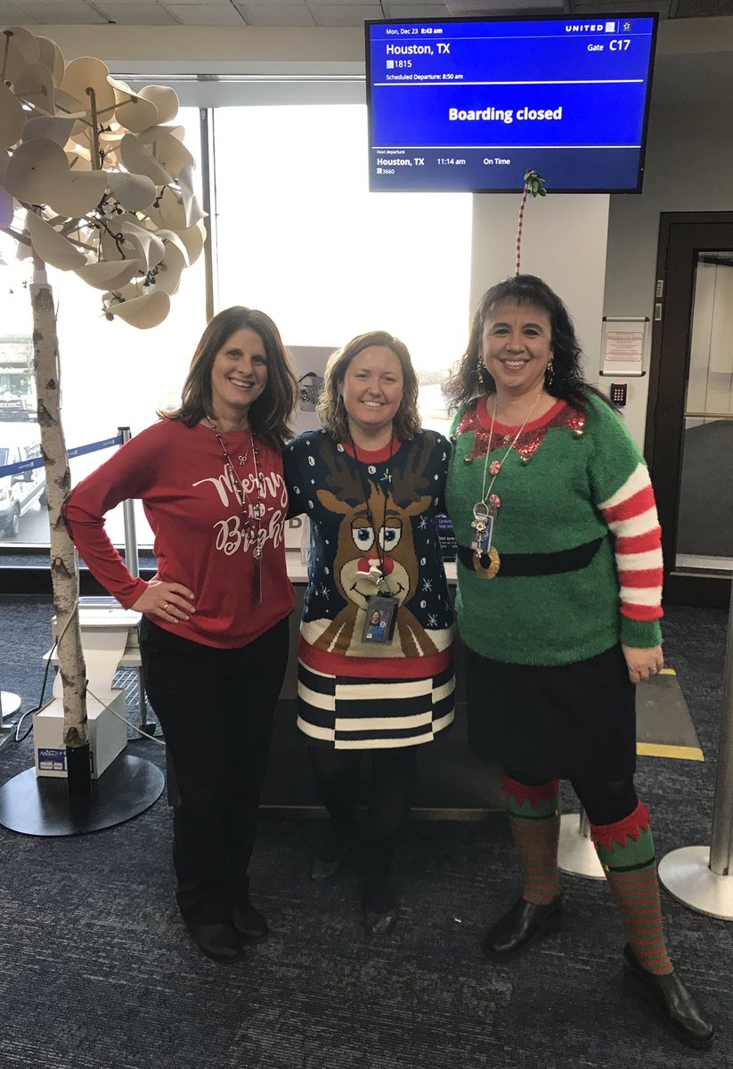 Spreading lots of Holiday Cheer in CLE today🎄🎁🎄@Auggiie69 @LouFarinaccio @sharon_goede @AndesTammy @weareunited #WinningTheLines @goingplacesCLE