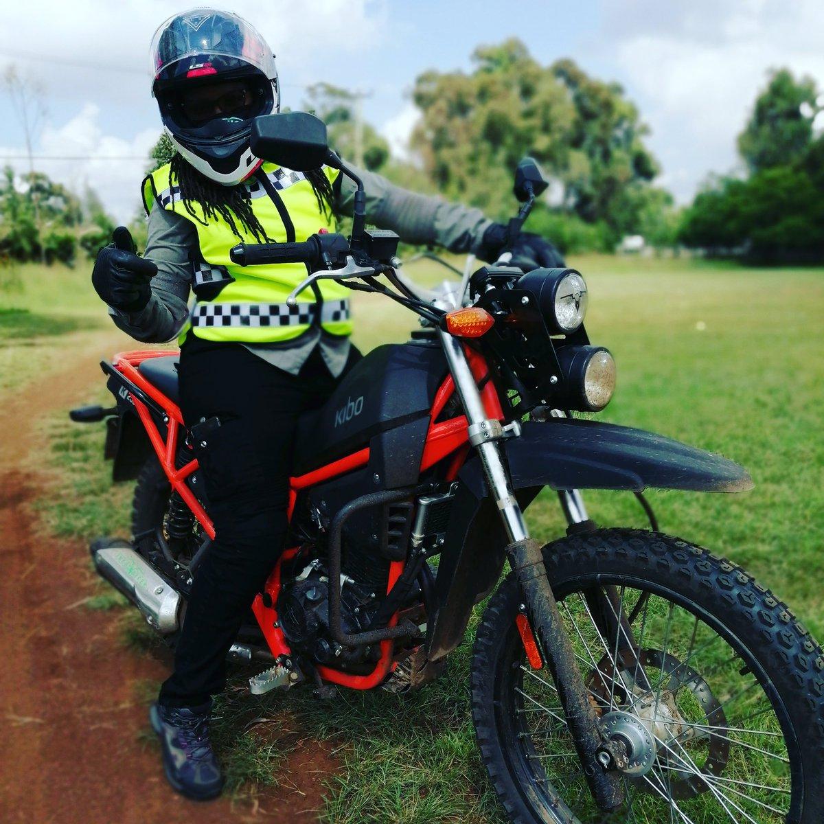 Sally wa Makibo, the KIBO K250 looks great on you #girlswhoride #girlrider #girlsdoitbetter #bikerchick #kibok250 @kiboafricapic.twitter.com/DbQsPZ2ddT
