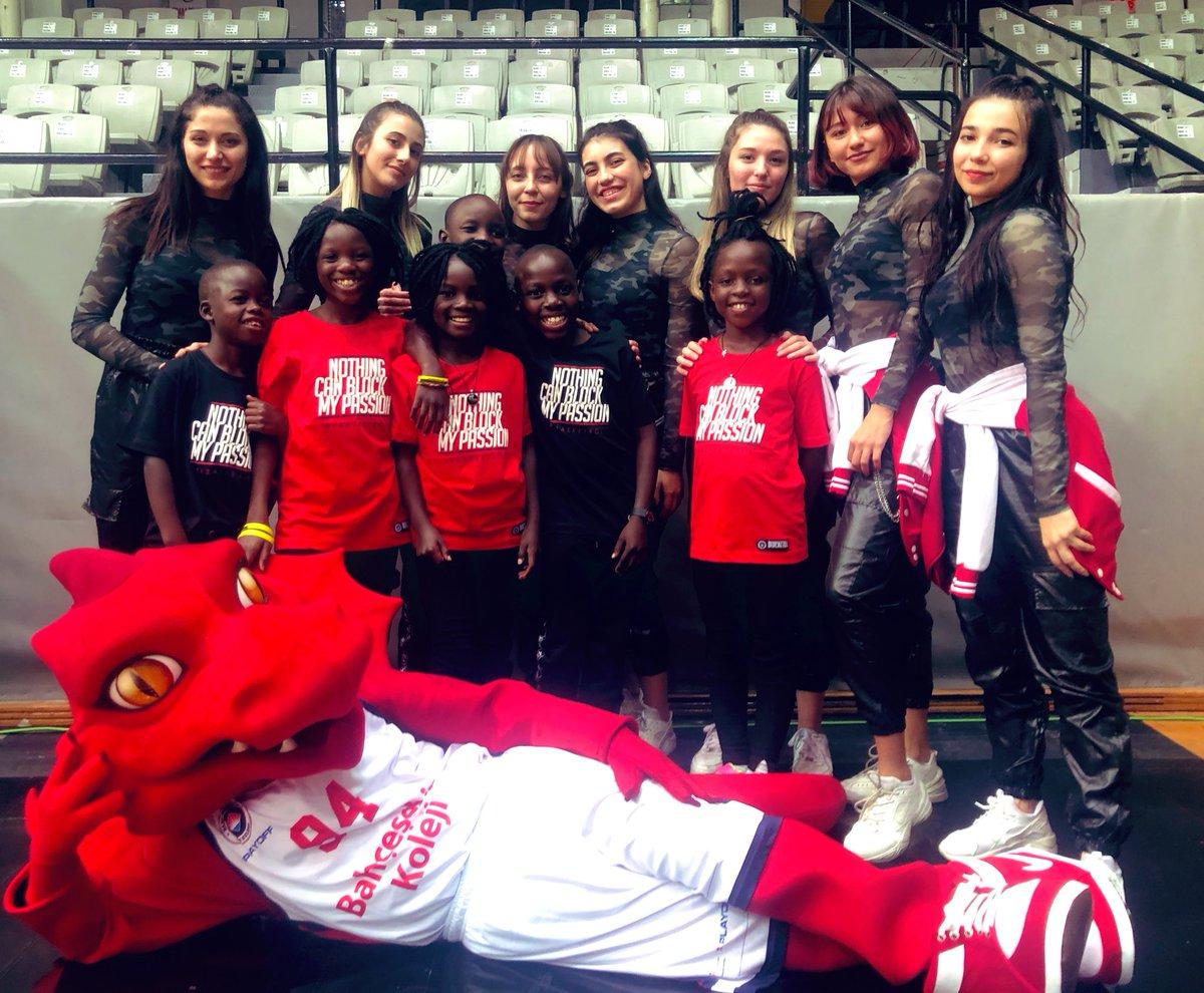 @BAUDans Red Dragons K-POP Team olarak  @masakakids ile birlikte @BKBasketbol @ZZLEIDENBASKETB @FIBAEuropeCup karşılaşmasında takımımıza en güzel desteği verdik😎 #baudancefam https://t.co/q2BlHhRmPd