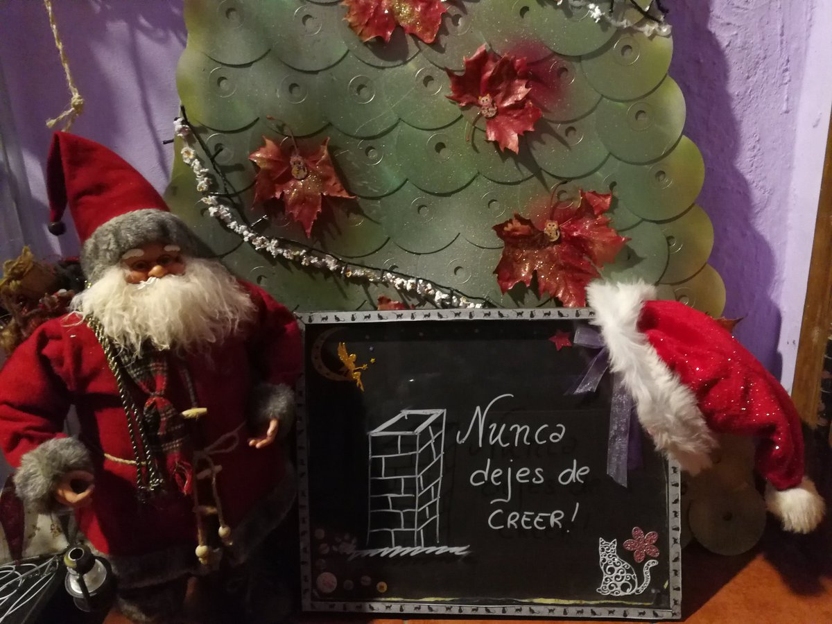Feliz Navidad a tod@s!🎄  #navidad #whatsforyou https://t.co/2FgN3UXteN
