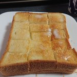 結婚8年目にして食した、妻が神戸ホテルのパン部門で修行していた頃教わった切目入り食パン!