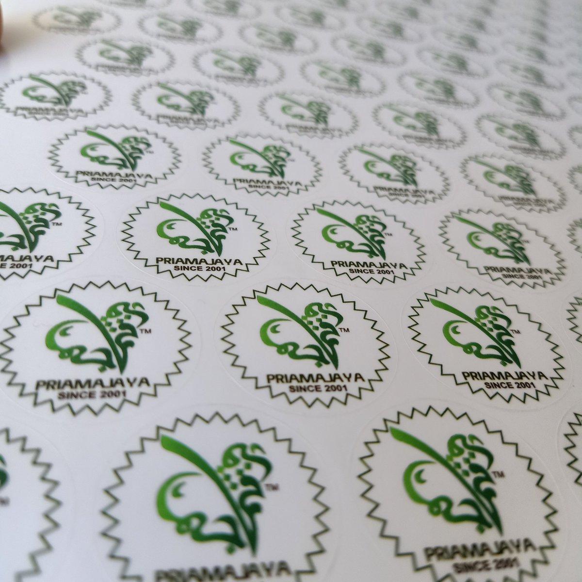 Label stiker dah siap bohh.. Transparent punya.. asikkk..  #labelsticker #stickers #digitalprinting #designmurah #transparentsticker #stikerproduk #stikermurah #koleksistiker