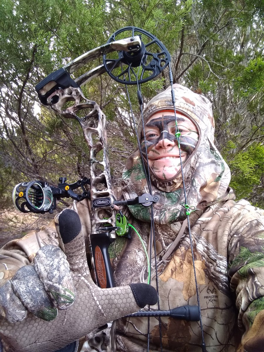 Was great to get an all day hunt in while home for Christmas break today!! #scentblaster #ttu21 #mathewsarchery #goldtiparrows #toothofthearrow #scottarchery #scentblocker #mwdoutdoors #hardyfacepaint #publiclands