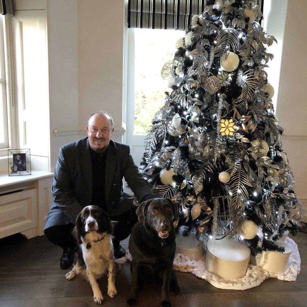 Happy holidays! It's time to enjoy with family and friends. My Best wishes.🎅🎅   Felices fiestas! Estos días son para disfrutar de la familia y amigos. Os deseo lo mejor.🎅🎅 #Christmas #holidays #Family https://t.co/YXkrz1Rwaf