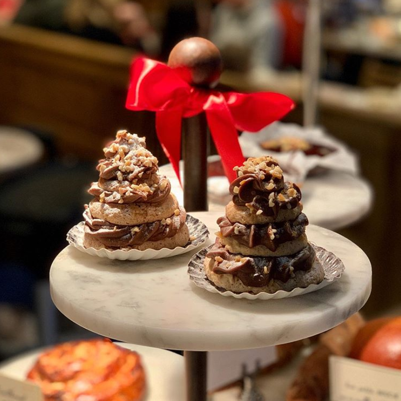 The sweetest Christmas Tree 🎄 Stop by your nearest LPQ store for some final Christmas shopping! 🛍🎁🥐 #LePainQuotidien #cake #christmas #christmasfood #preparations https://t.co/ylPFc7E8nm