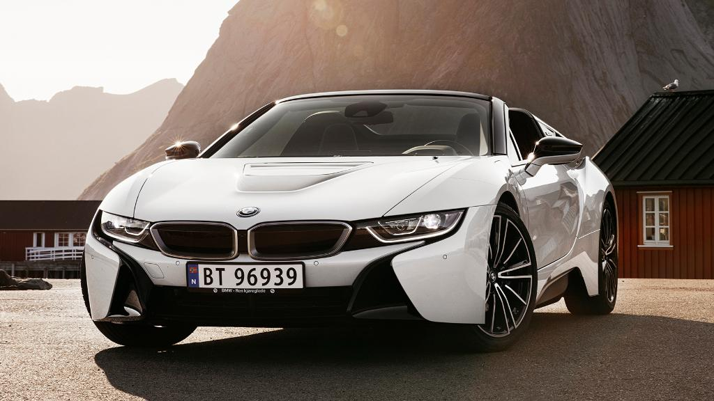 A white pearl in the mountains is rare to be seen.The BMW i8 Roadster. #BMWi #Lofoten @BMWGroupCulture #THEi8 http://b.mw/i8roadsterdisclaimer …