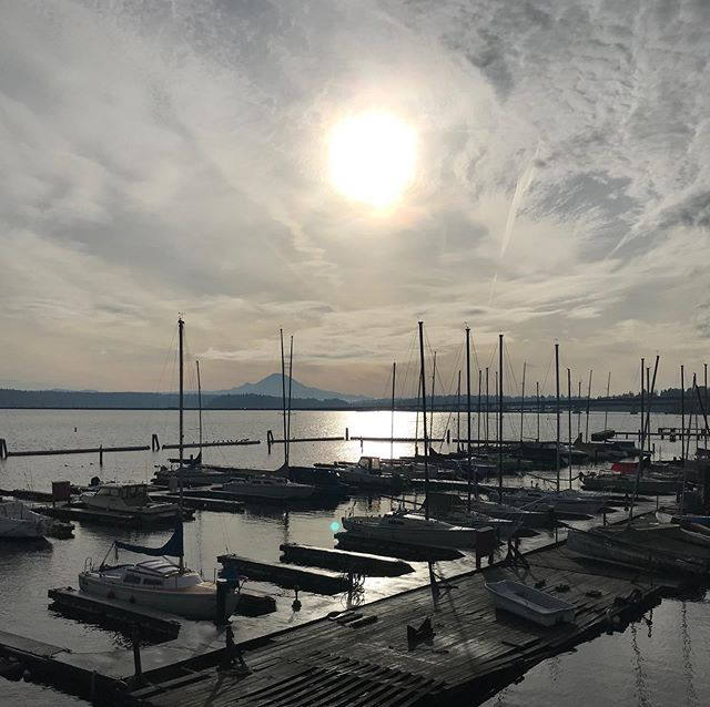 Some Gnarly views out making deliveries today! #seattle #pnw #lakewashington #pnwphotographer #pnwphotography #beautifulday #washingtonstate #washington #seattlephotographer #photography #seattlewashington #boats #sunrise…   https://www.instagram.com/p/B6d1i4NglYH/ via https://tweet.photopic.twitter.com/3QBYYGhBam  by Gnarly Garlic Dip - Bad Breath Garlic Co
