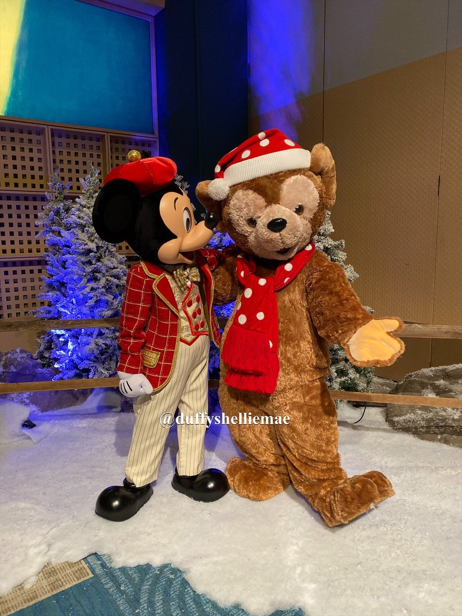 Two buddies reunited.. and it was EPIC!! #DVCMember #DVC  #DVCMemories #MerryChristmasEve #DisneyChristmas #DisneyHoliday #Duffy #DuffytheDisneyBear #MickeyMouse