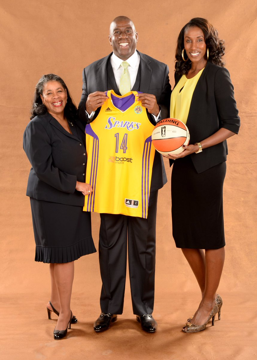 2014: new ownership, who dis😎  #GoSparks #LeadTheCharge #WNBAVault https://t.co/oWZBAJ206B