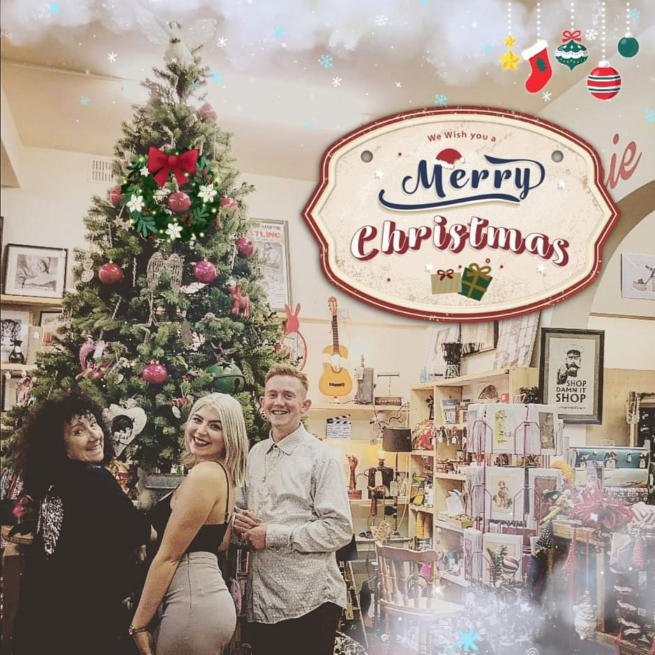 We hope you all love your presents youve been bought from Guru! Its a lovely feeling knowing youve made someones Christmas special, so thank you for choosing to shop with Vintage Guru this Christmas! Lots of love from Julie, Matthew & the Guru crew! ❤️🎅🤶