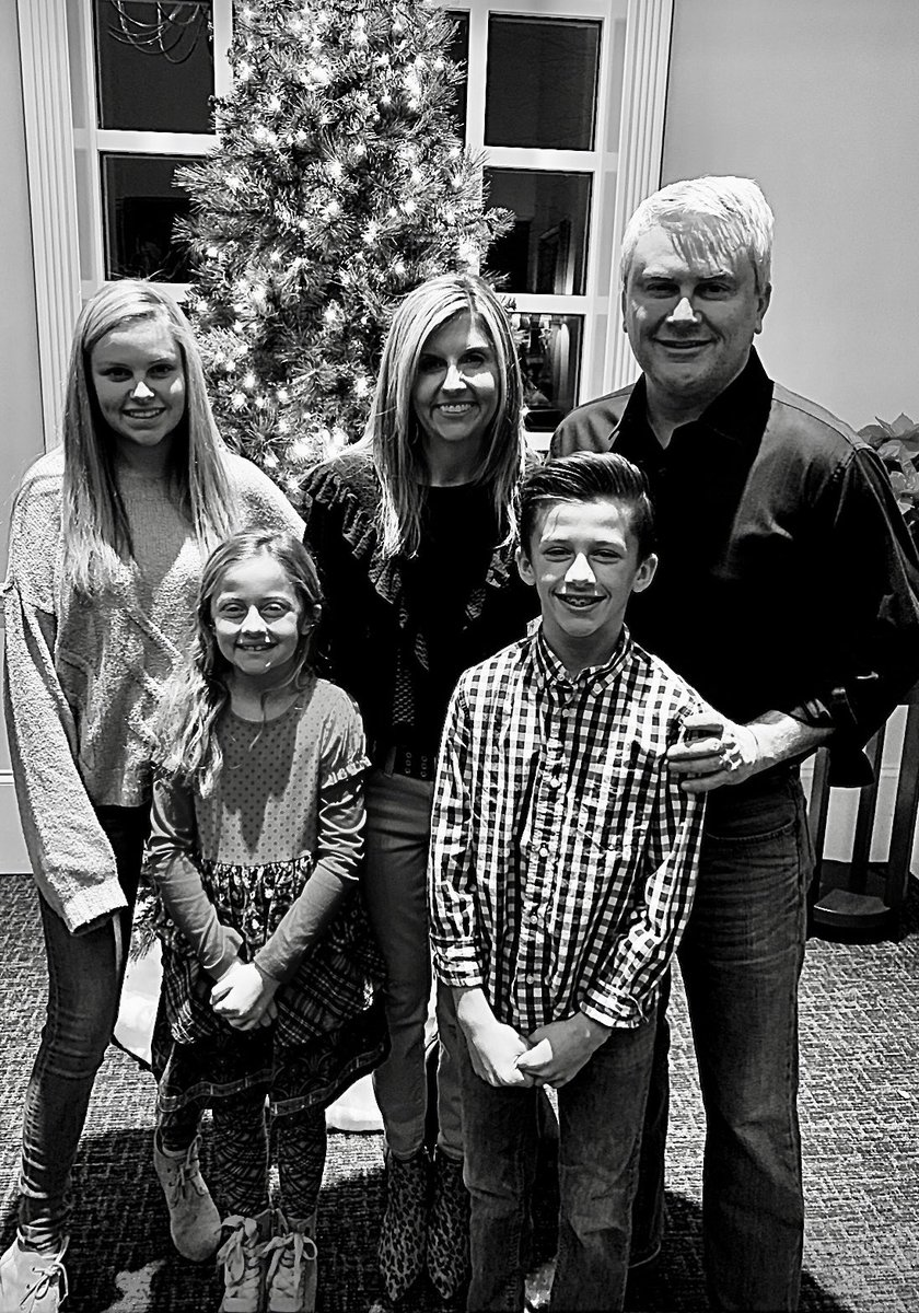 Merry Christmas from our family to yours 🎁🎄 🎅