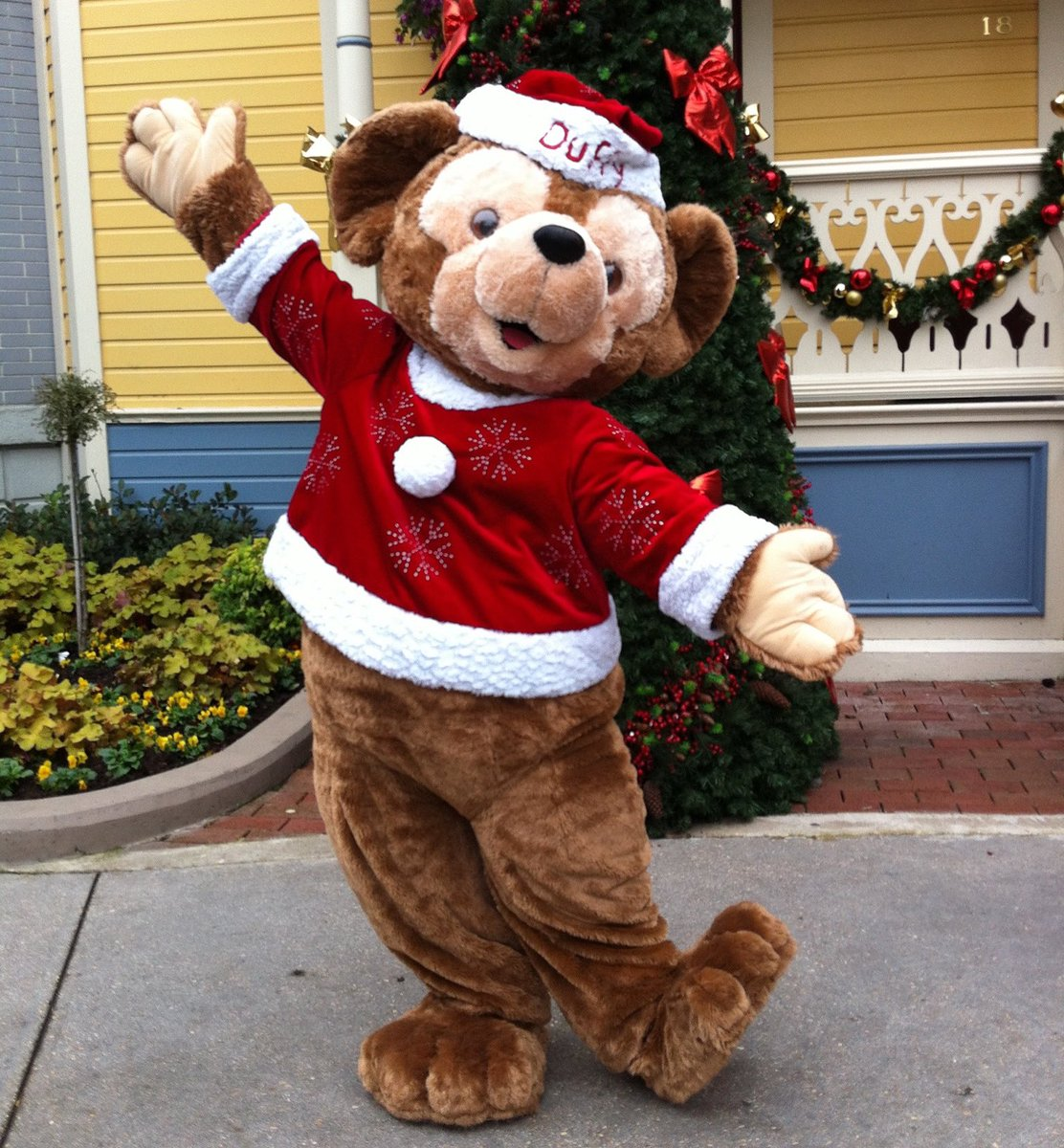🎄Merry Christmas ! 🐻♥️💫 🎄   #disneylandparis #disneyparks #disneyXmas #duffythedisneybear #MerryChristmas2019