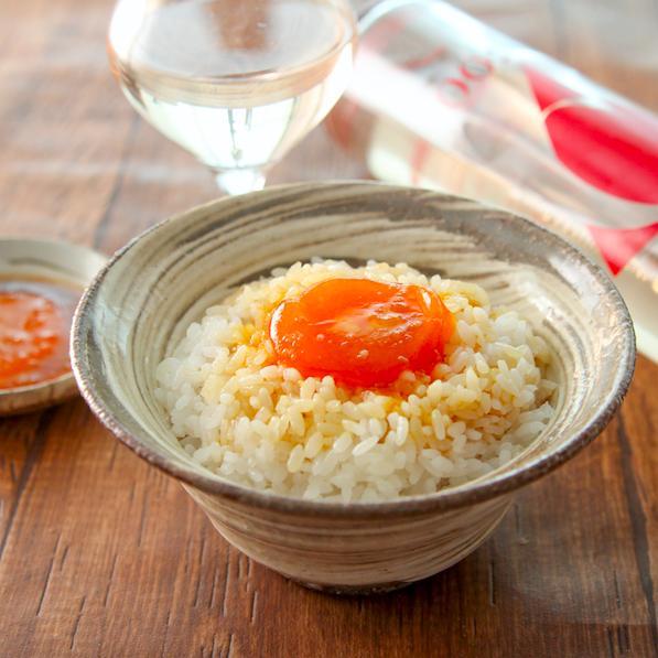 【卵黄のにんにくポン酢漬け】家にある調味料に卵黄漬けるだけで、お酒もご飯も進む最高なの爆誕します