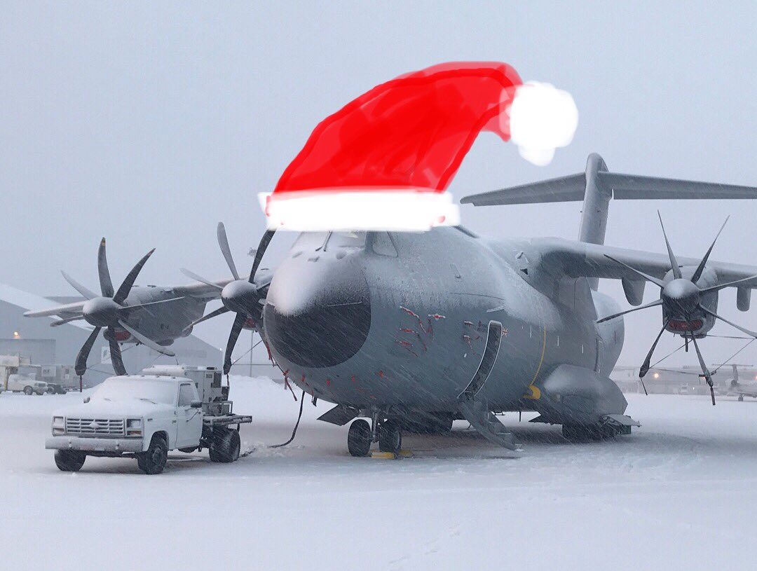 Merry Christmas to you all from LXX Sqn! Massive shout out to all those service people deployed overseas including our personnel in The Falkland Islands and The Middle East! Thank you all and Merry Christmas!!! #A400M #Airbus #MerryChristmas #Military #noordinaryjob #Avgeek https://t.co/FcgTpFoJps