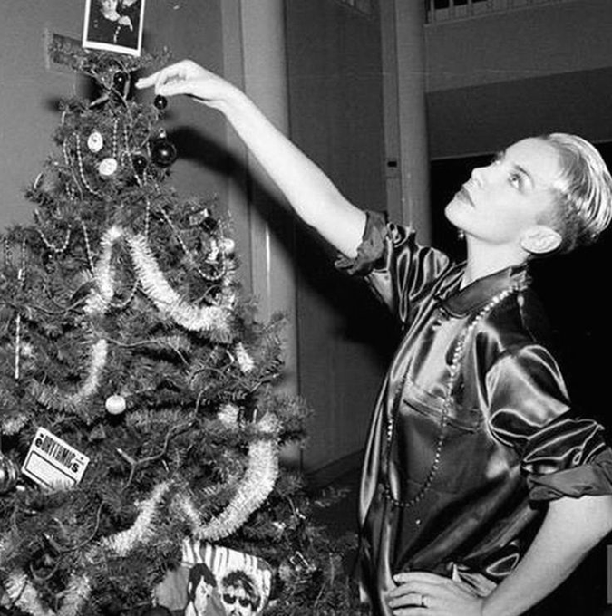 Merry Christmas to you, and Happy Birthday to the incredible Annie Lennox.