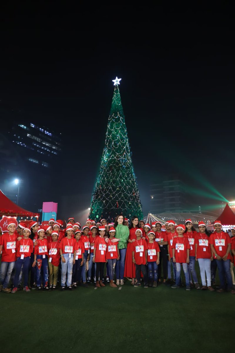 Reliance Foundation hosts 4000 underprivileged children at a special preview of  JioWonderland™ – Mumbai's new festive extravaganza