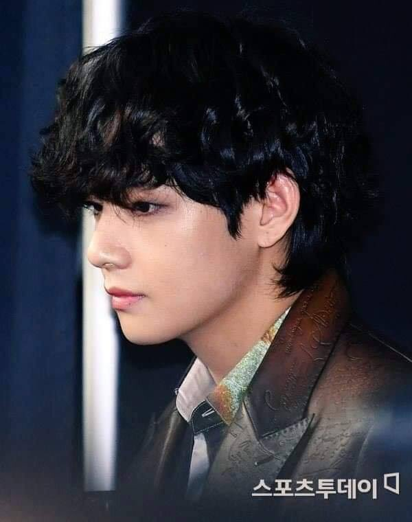 I was shocked by that these photos weren't taken by any fansite 🥺🐯🐻💜 #TaehyungYouDidWell #Taehyunglovely #Taehyunghandsome #Taehyungawesome #Taehyungbeautiful #Taehyungamazing #Taehyungpretty #Taehyungtalented #Taehyungprecious #Taehyungangel #Taehyunggorgeous https://t.co/xK0hU9IJaL