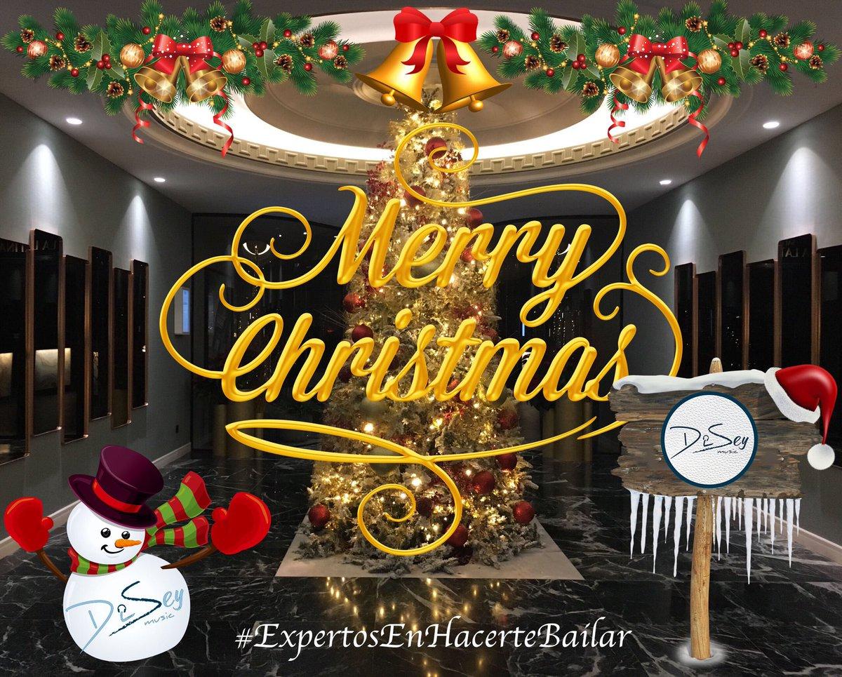 Os deseamos unas navidades locas de risas, fiestas y bailes!! 🎄🎁 #DiseyMusic  #ExpertosEnHacerteBailar https://t.co/yk5uKMFBqQ
