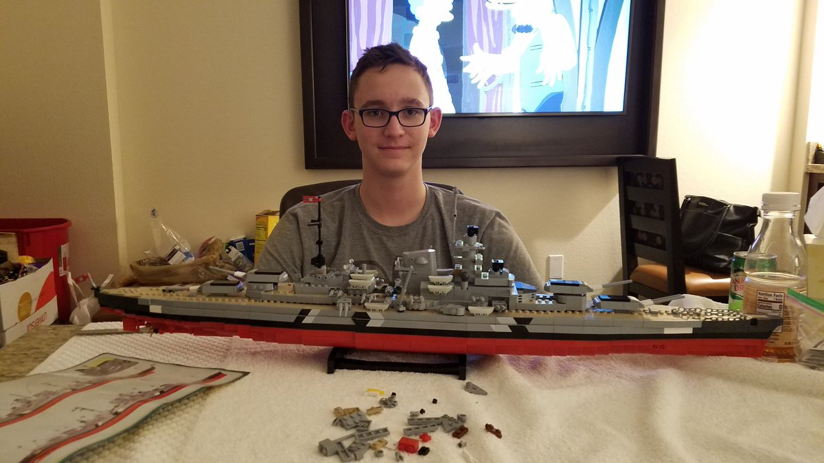 @flipping_A_tchr THIS is some assembly required...The Bismark in Lego (cobi)
