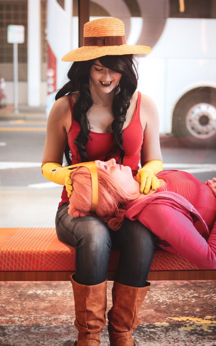 """Um, yeah. Raggedy Princess can make you a new Hambo in, like, three seconds..."" . . . | : @blanksnowphotography | . . .  #cartoonnetwork #adventuretime #adventuretimecosplay #princessbubblegum #iceking #adventuretimefan #bubbline #cosplay #bmo #marceline #finnthehumanpic.twitter.com/NeOvyXK9LZ"
