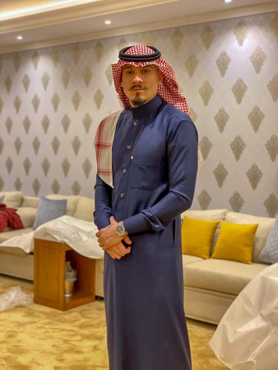 *الامير محمد بن مايكون  الله يحفظكم ي حبايبي السعوديين الجميلين  ❤ Prince Mohammed bin Maicon  May god bless My lovely saudi people 🙏 https://t.co/Bg1Ogubhov