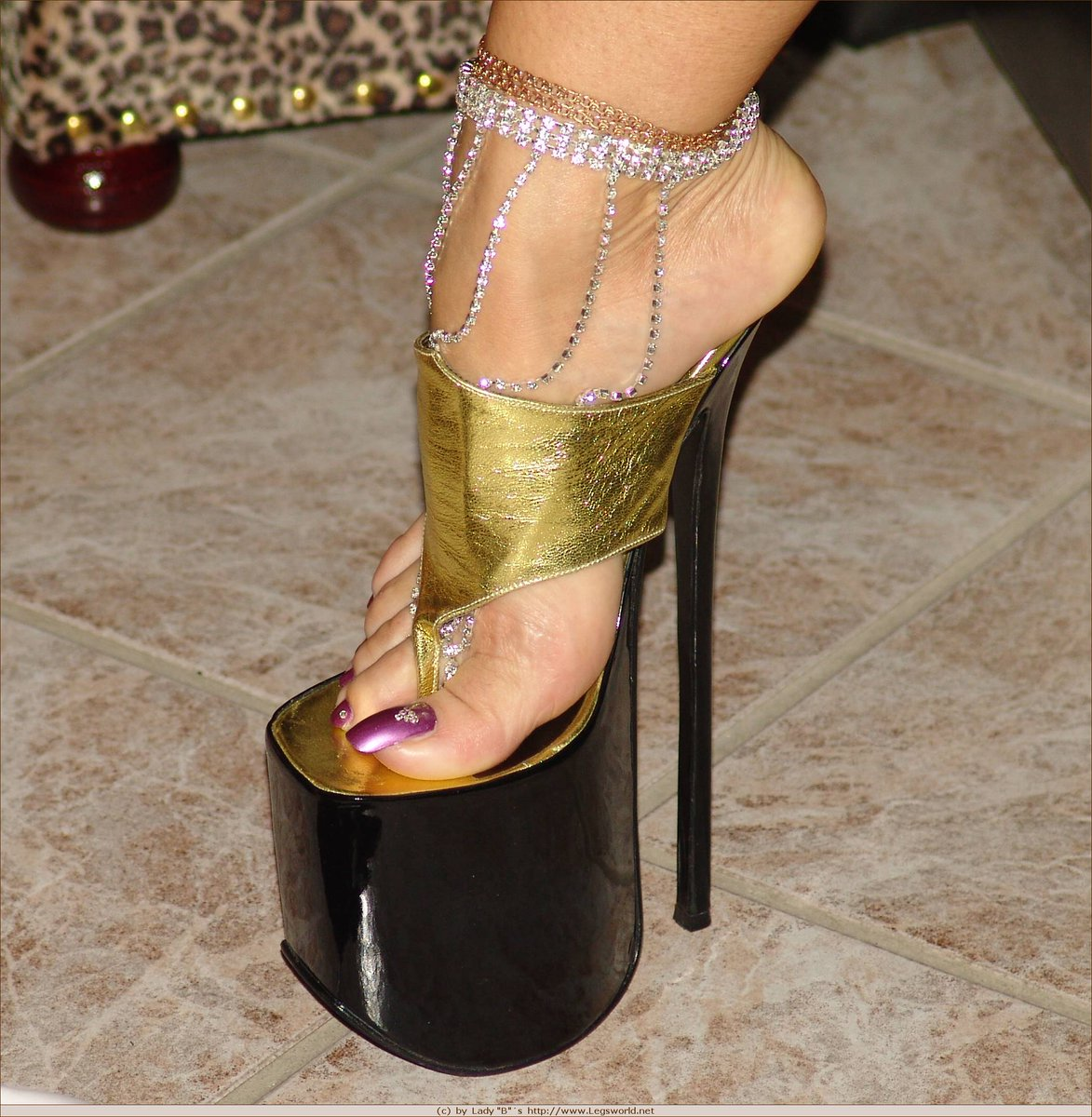 Füße lady barbara Pyle: Gomer