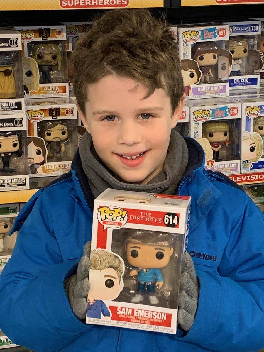 Hi @orignalfunko! Thought you'd get a kick out of my son finding a #FunkoPop character of his uncle #Coreyhaim! We have one at home but it was cool seeing it 'in the wild.' #lostboys pic.twitter.com/4oeAy9pVlT
