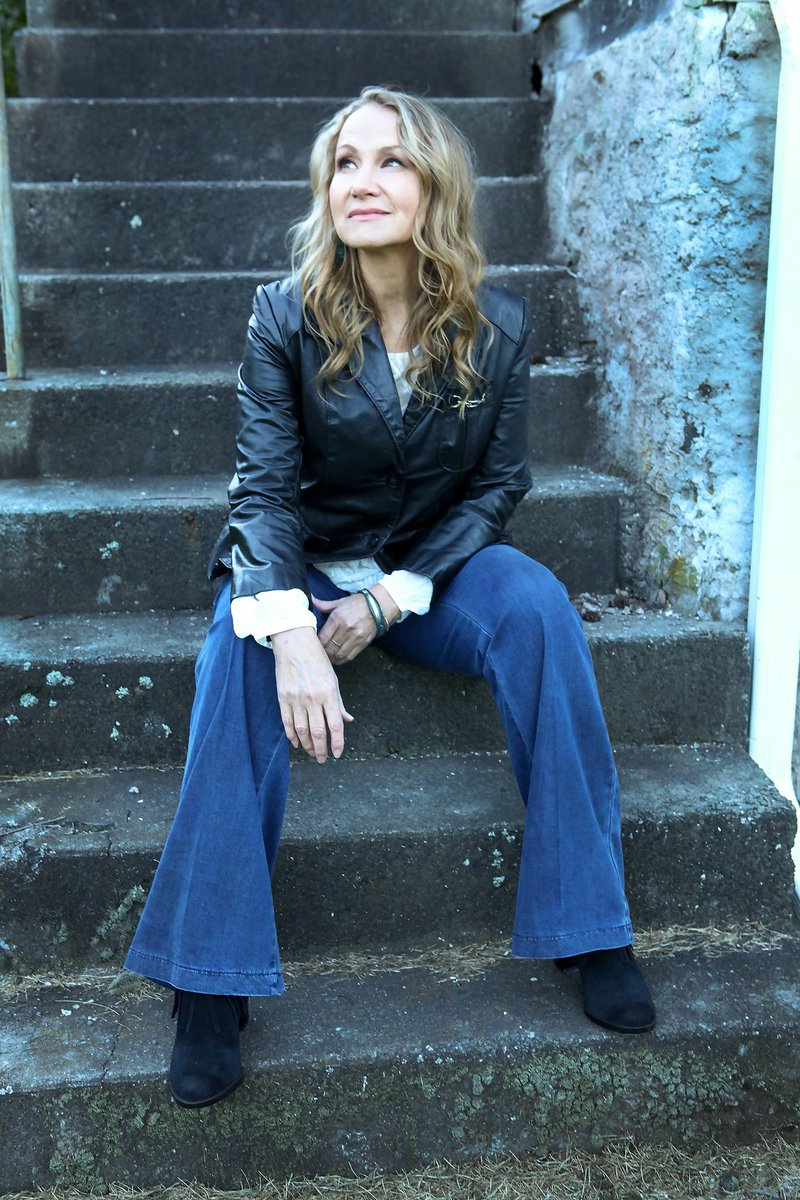 @joan_osborne with @bridge19music and Griffytown is SOLD OUT for tonight! We're looking forward to an awesome show!