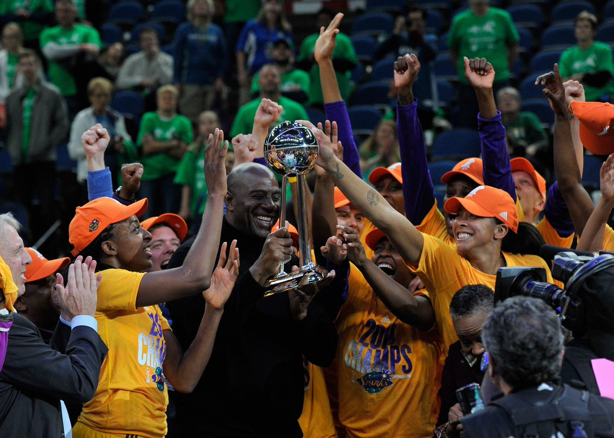 2016: @WNBA CHAMPS!🏆  #GoSparks #LeadTheCharge #WNBAVault #TBT https://t.co/iJ7yHGO0mC